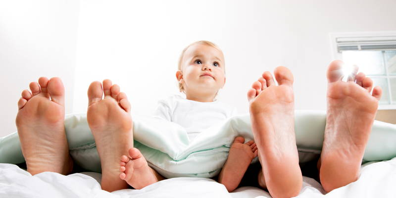 ¿Y HOY DÓNDE DUERMO? Dos corrientes diferentes sobre la construcción de hábitos de sueño en los niños